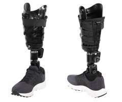 TT-S Infinite socket has an adjustable posterior pad for bending comfort.