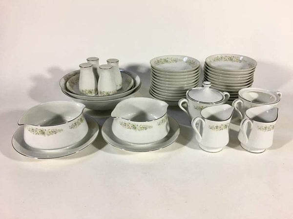 Group of Royal Gallery 'Irene' Fine China