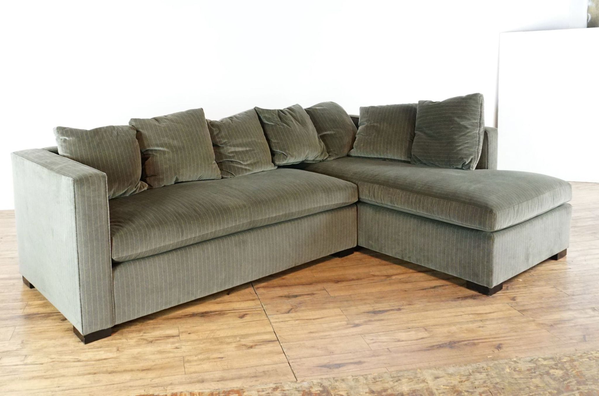 Bungalow Classic Contemporary Gray Upholstered Velvet Sectional Sofa ...