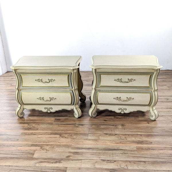 Pair of Vintage Thomasville Wooden Nightstands