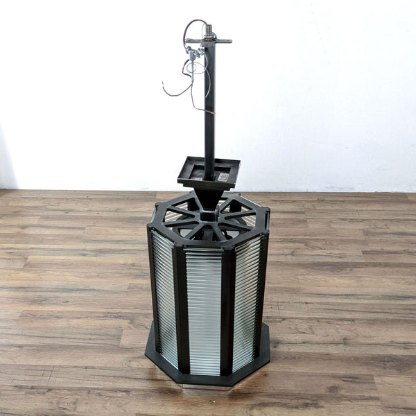 The Urban Electric Co. Boxbridge Pendant Light