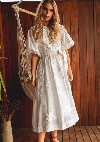 MINISTRY OF STYLE Dreamscape Maxi Dress - Ivory