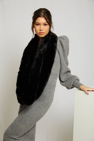 MODE & AFFAIRE Infiniti Faux Fur Scarf | Onyx