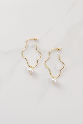 Dali Squiggle Hoops - Pearl/Gold.