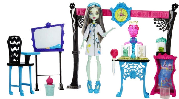 Monster High Skulltimate Science Class With Frankie Stein Doll