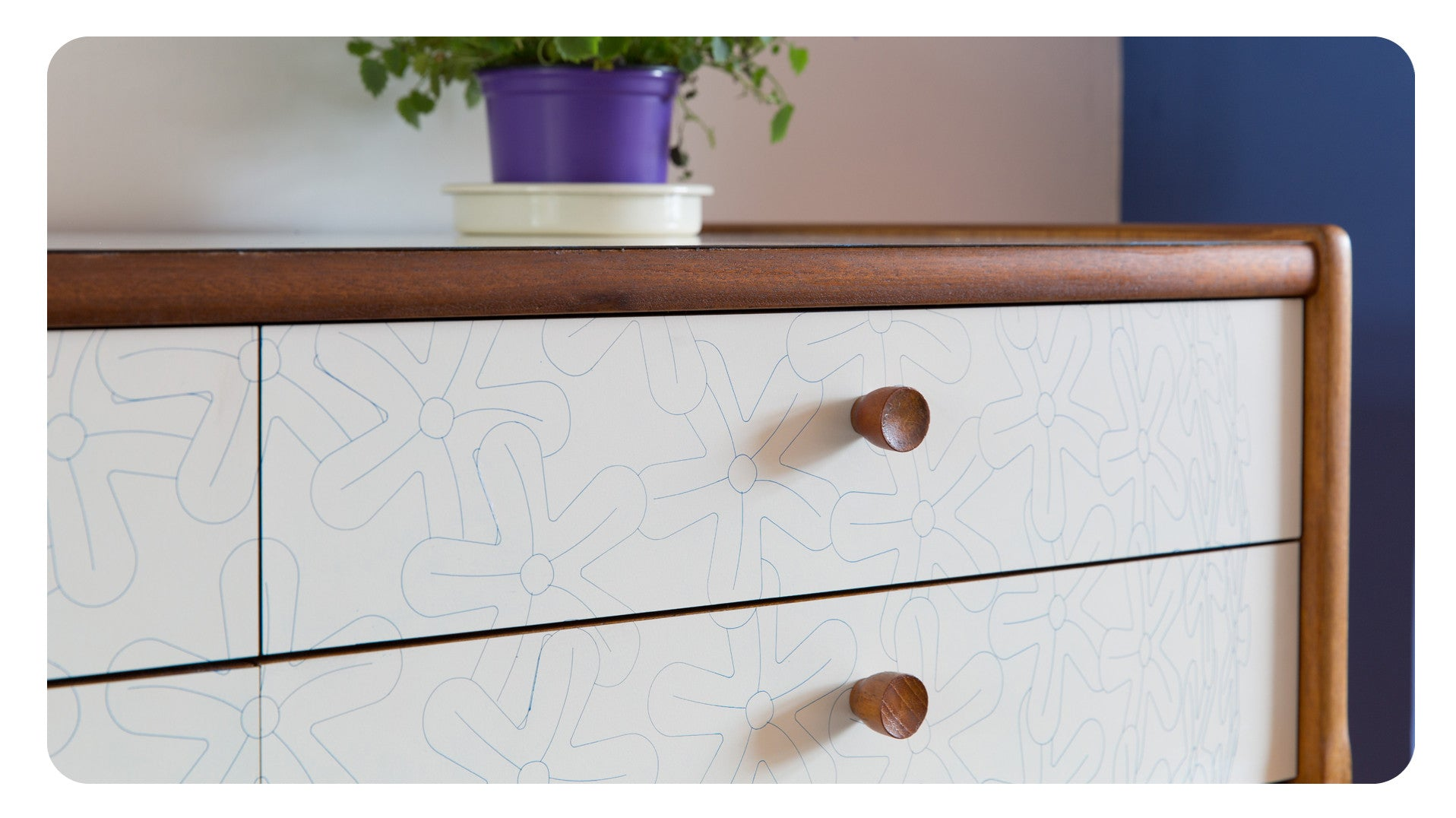Lollipop in Pale - Sideboard