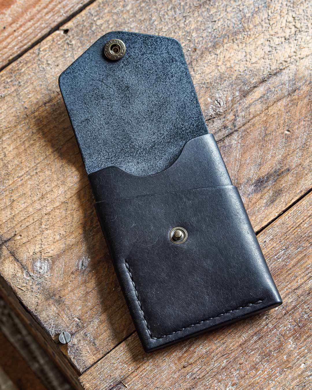 Luava handmade leather wallet handcrafted card holder cardholder made in finland overfold pueblo black front open