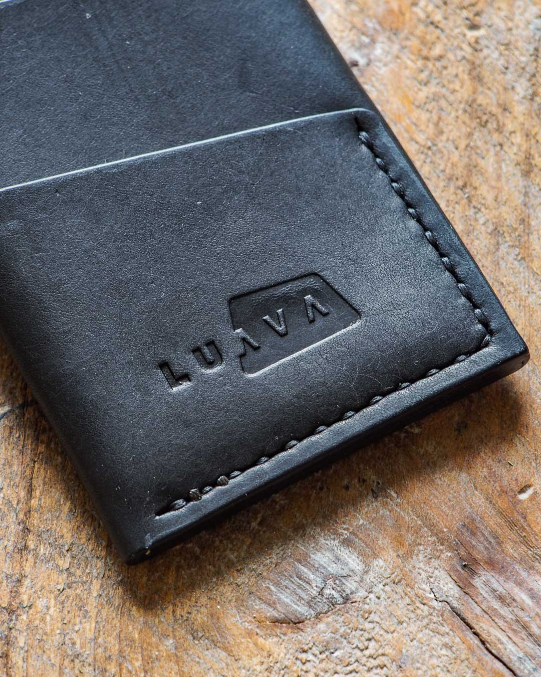 Luava handmade leather wallet handcrafted card holder cardholder made in finland overfold pueblo black logo detail