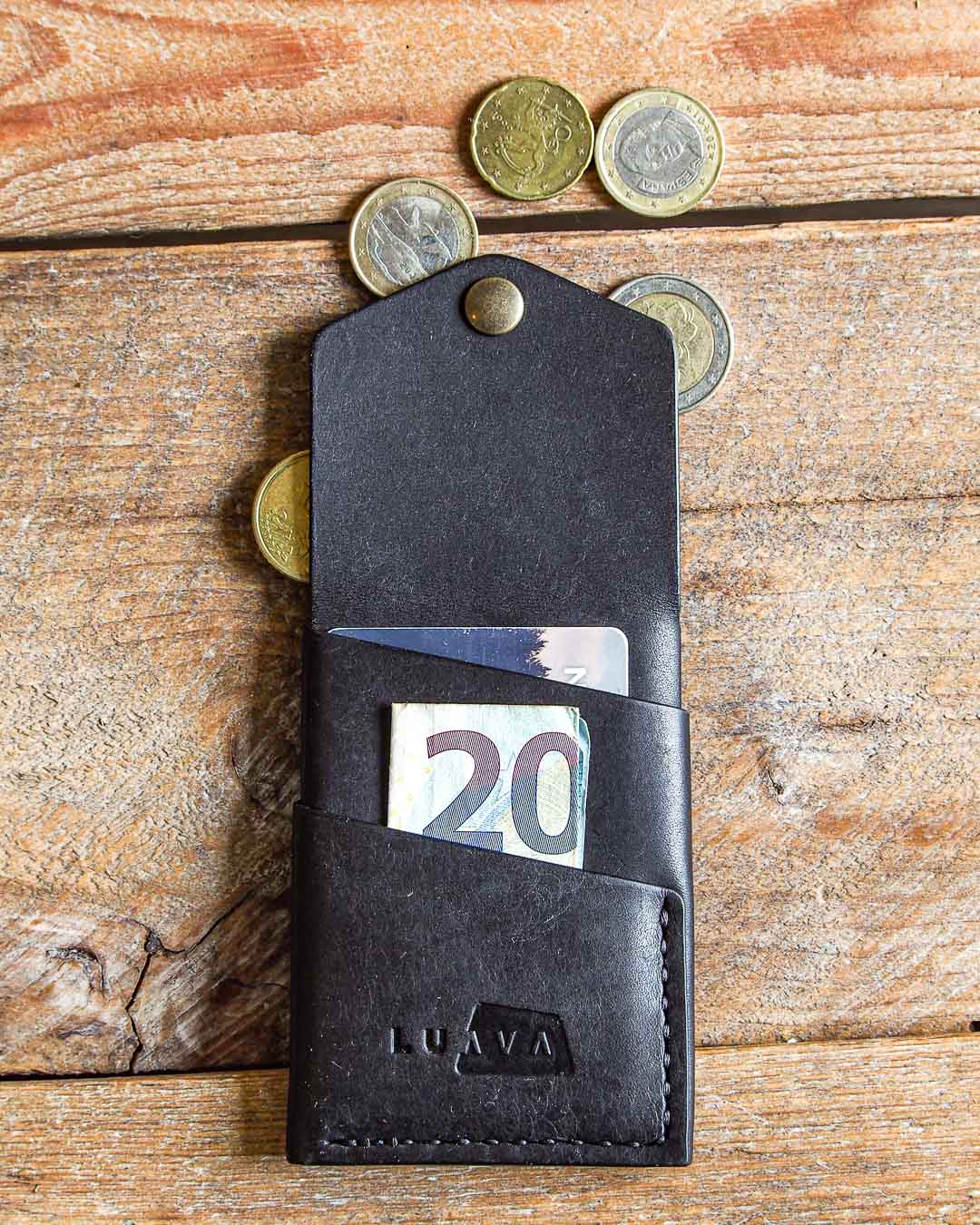 Luava handmade leather wallet handcrafted card holder cardholder made in finland overfold pueblo black back open in use