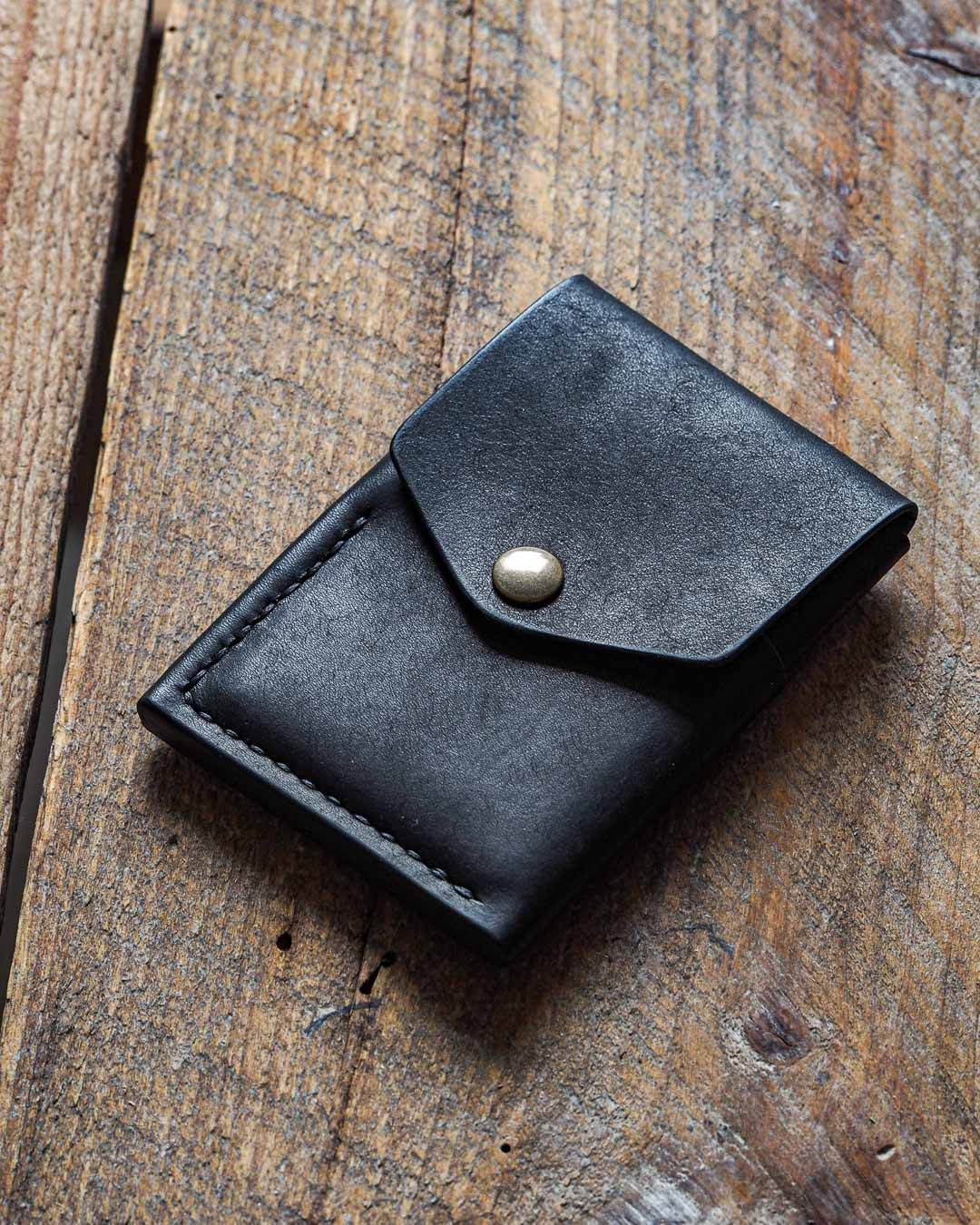 Luava handmade leather wallet handcrafted card holder cardholder made in finland overfold pueblo black front angle