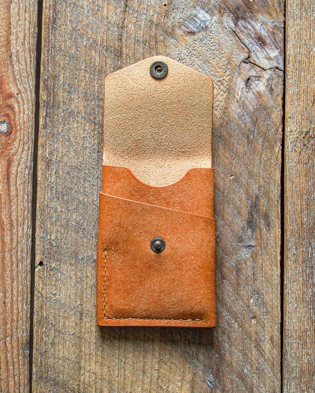 Luava handmade leather wallet handcrafted card holder cardholder made in finland overfold badalassi carlo pueblo cognac front open