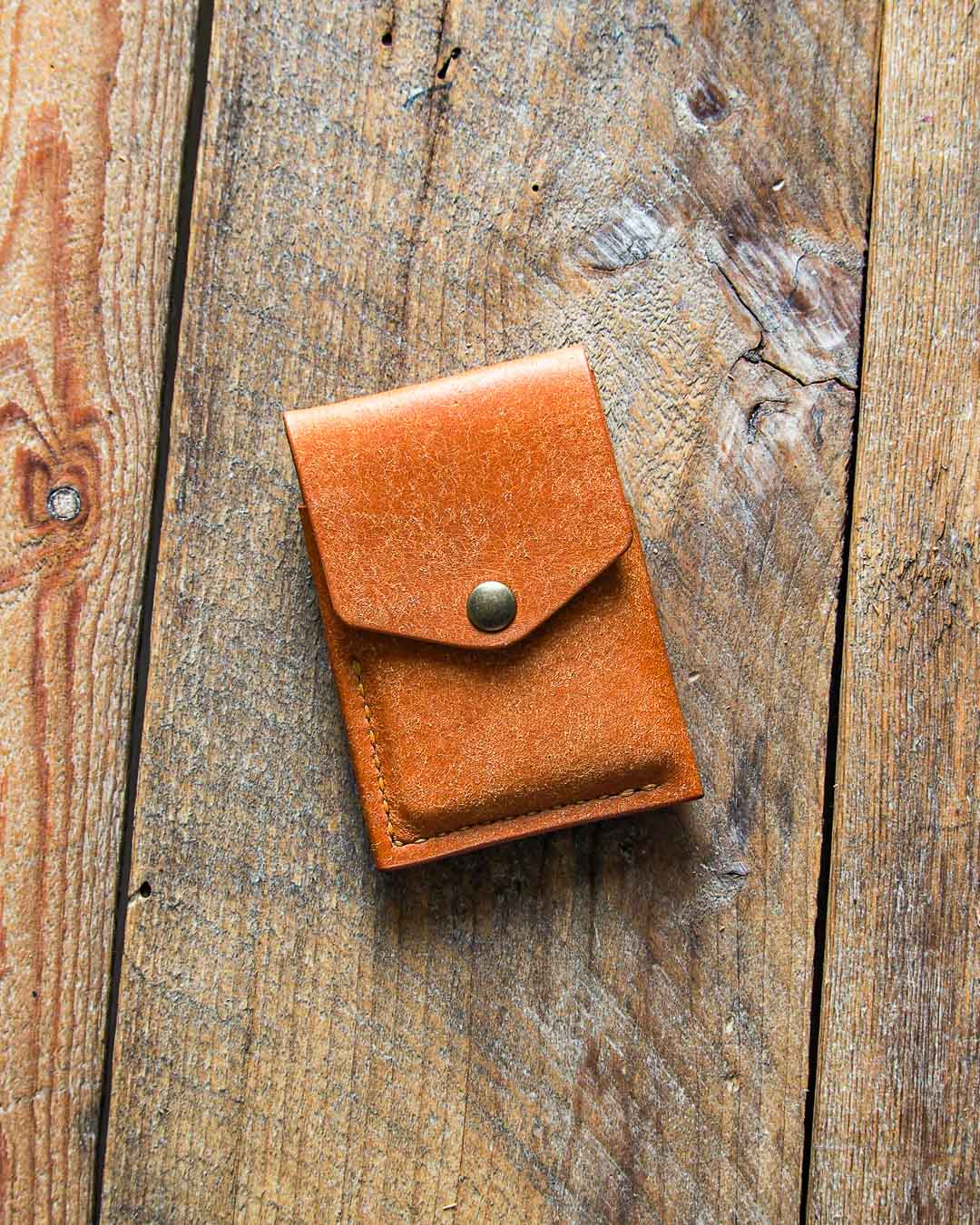 Luava handmade leather wallet handcrafted card holder cardholder made in finland overfold badalassi carlo pueblo cognac front wide