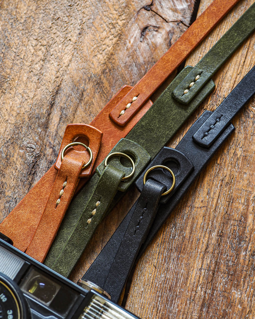 Luava handcrafted leather camera strap wide neckpad pueblo cognac olive black detail