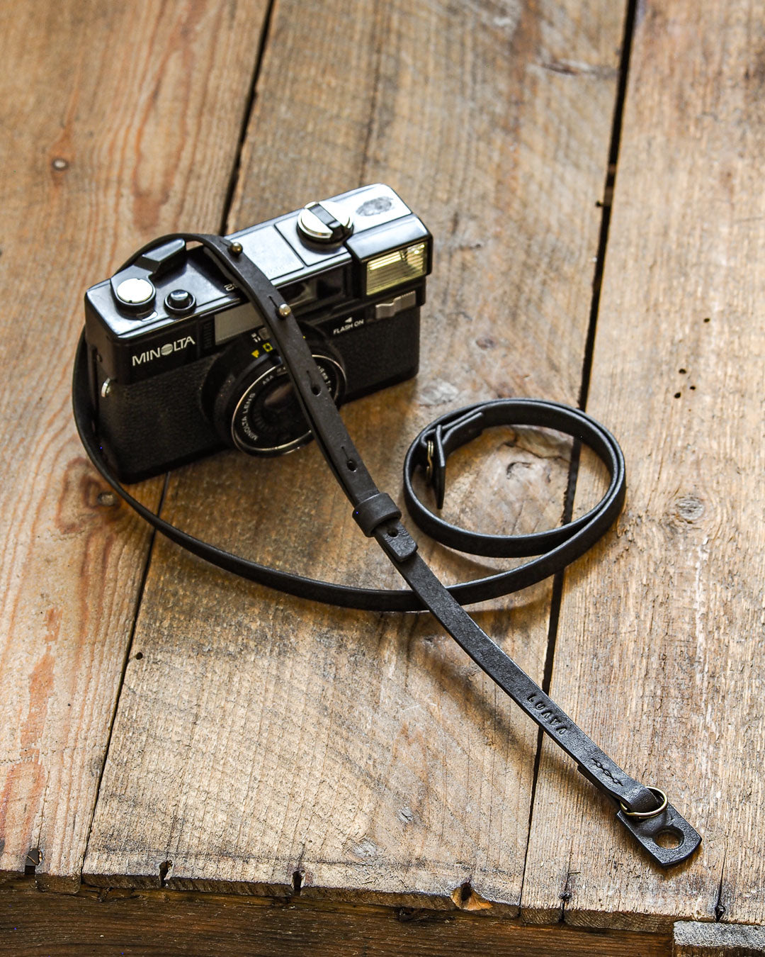 Luava handcrafted leather camera strap slim adjustable pueblo black