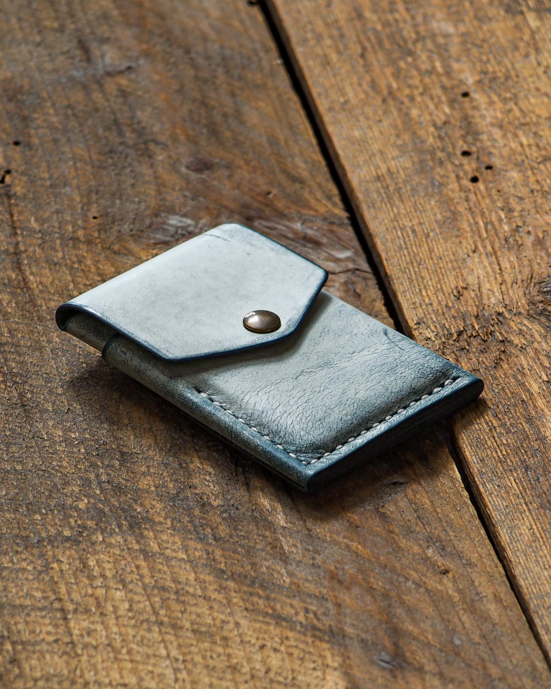 Luava handcrafted leather overfold wallet ghost ocean conceria la bretagna cardholder card holder handmade in finland angle front