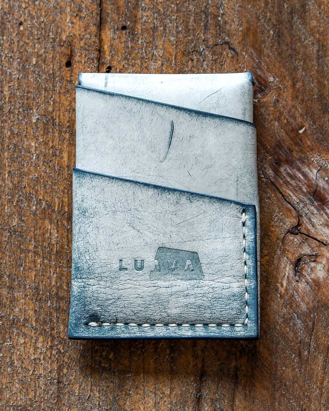 Luava handcrafted leather overfold wallet ghost ocean conceria la bretagna cardholder card holder handmade in finland back closed