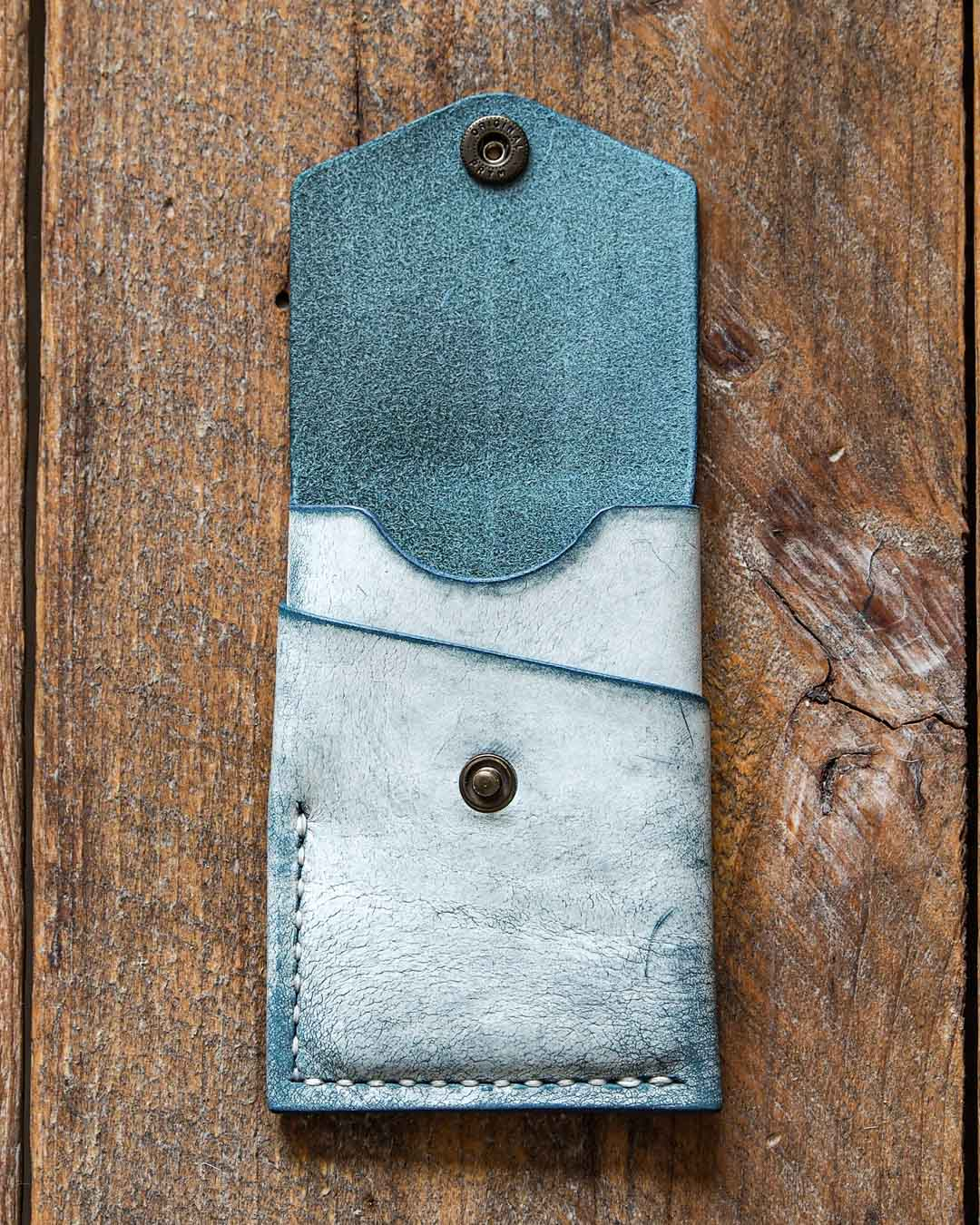 Luava handcrafted leather overfold wallet ghost ocean conceria la bretagna cardholder card holder handmade in finland front open