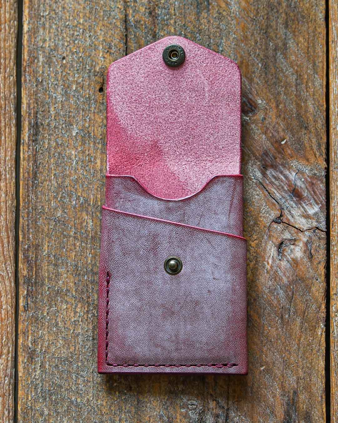 Luava handcrafted leather overfold wallet ghost burgundy conceria la bretagna cardholder card holder handmade in finland front open