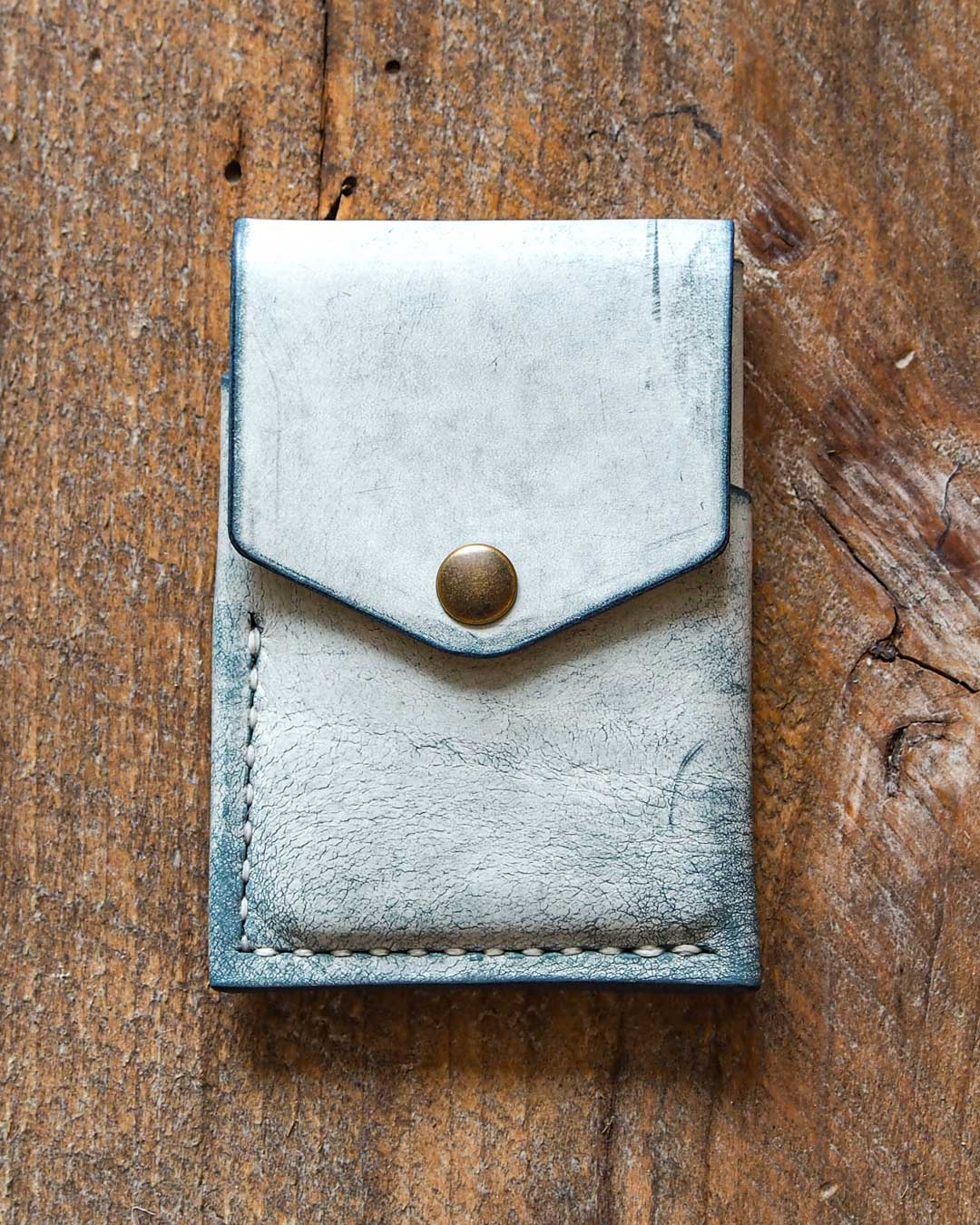 Luava handcrafted leather overfold wallet ghost ocean conceria la bretagna cardholder card holder handmade in finland front closed