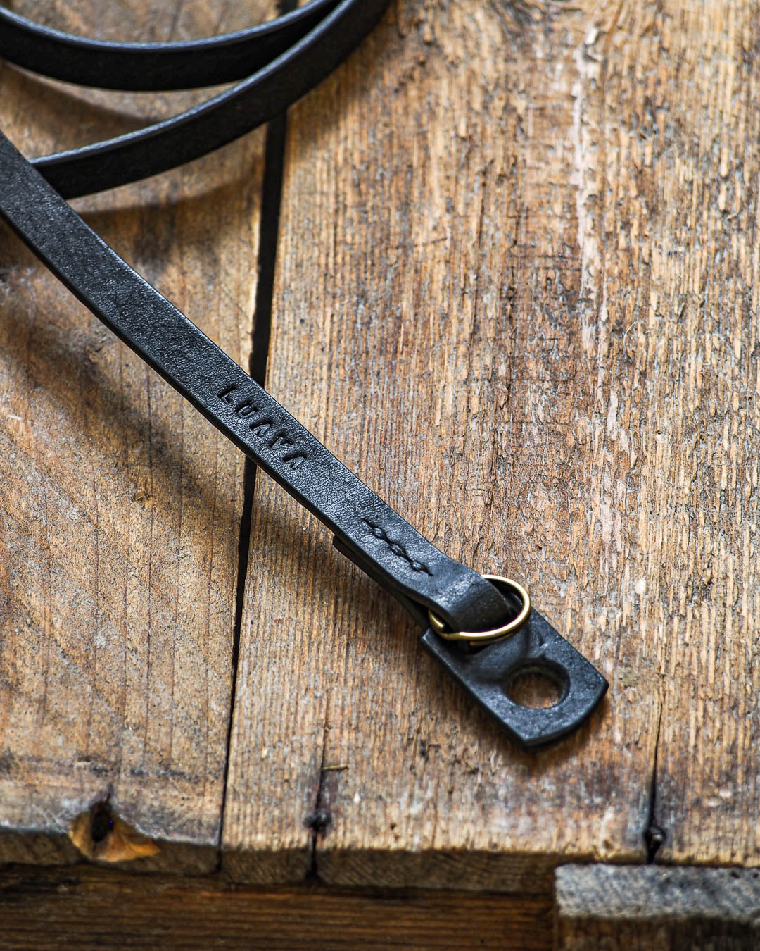 Slim Adjustable Camera Strap Pueblo Black