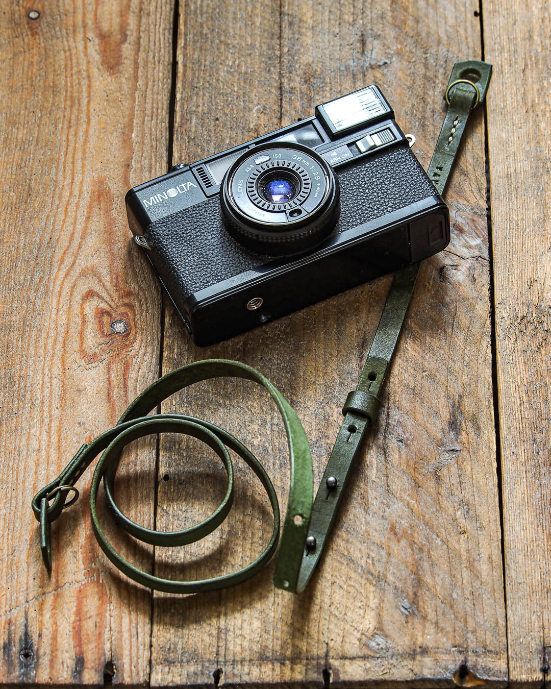 Luava handcrafted leather camera strap adjustable slim pueblo olive angle