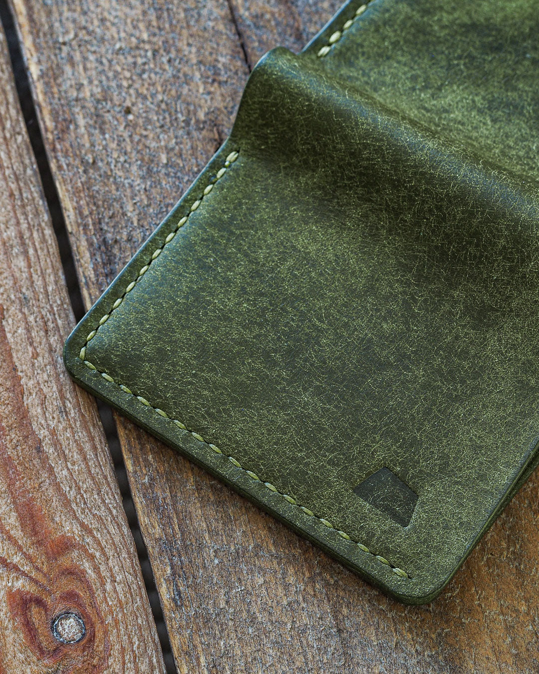 Luava handmade leather wallet NERO card holder cardholder handcrafted pueblo olive black cognac back open detail logo