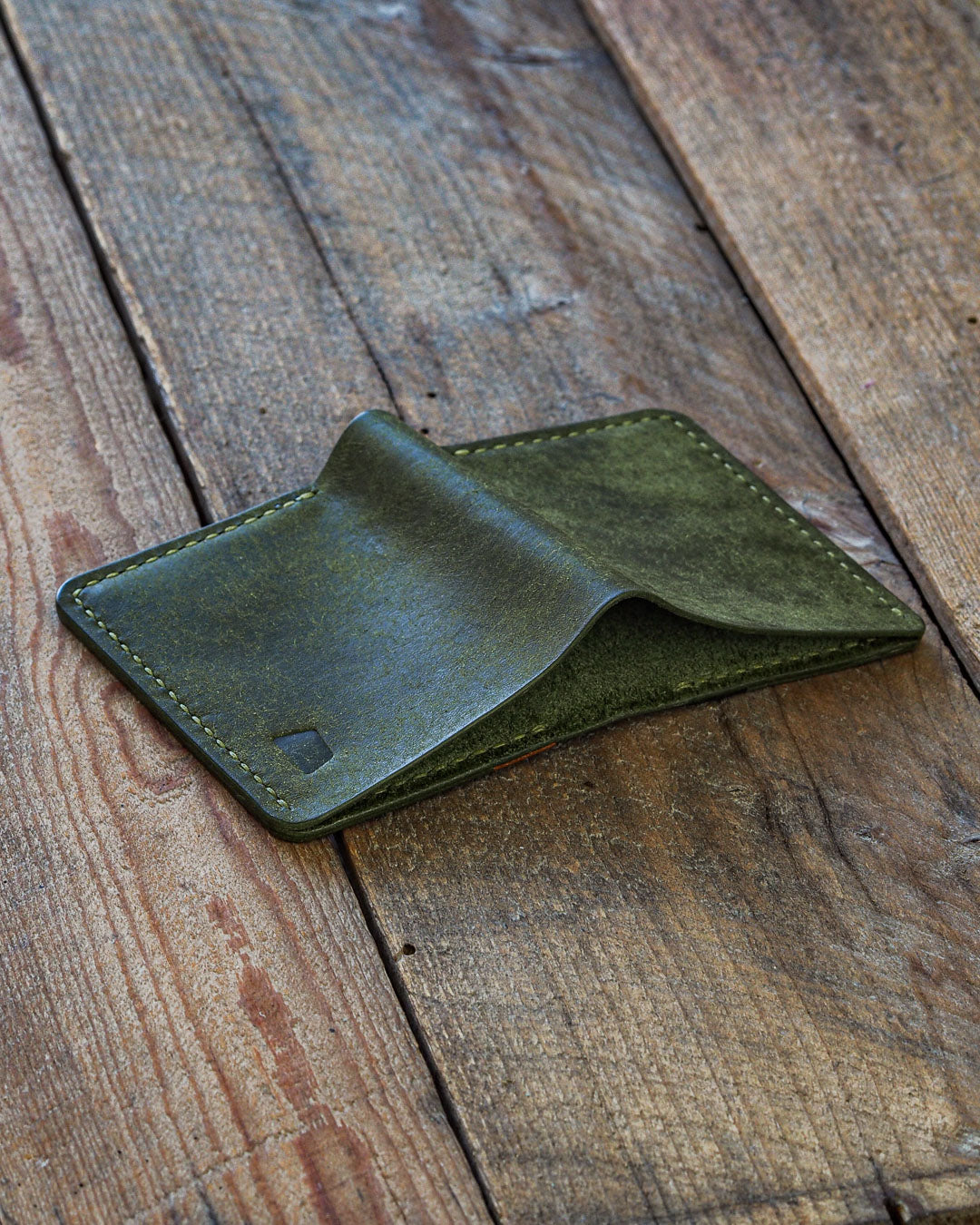 Luava handmade leather wallet NERO card holder cardholder handcrafted pueblo olive black cognac  back open angle