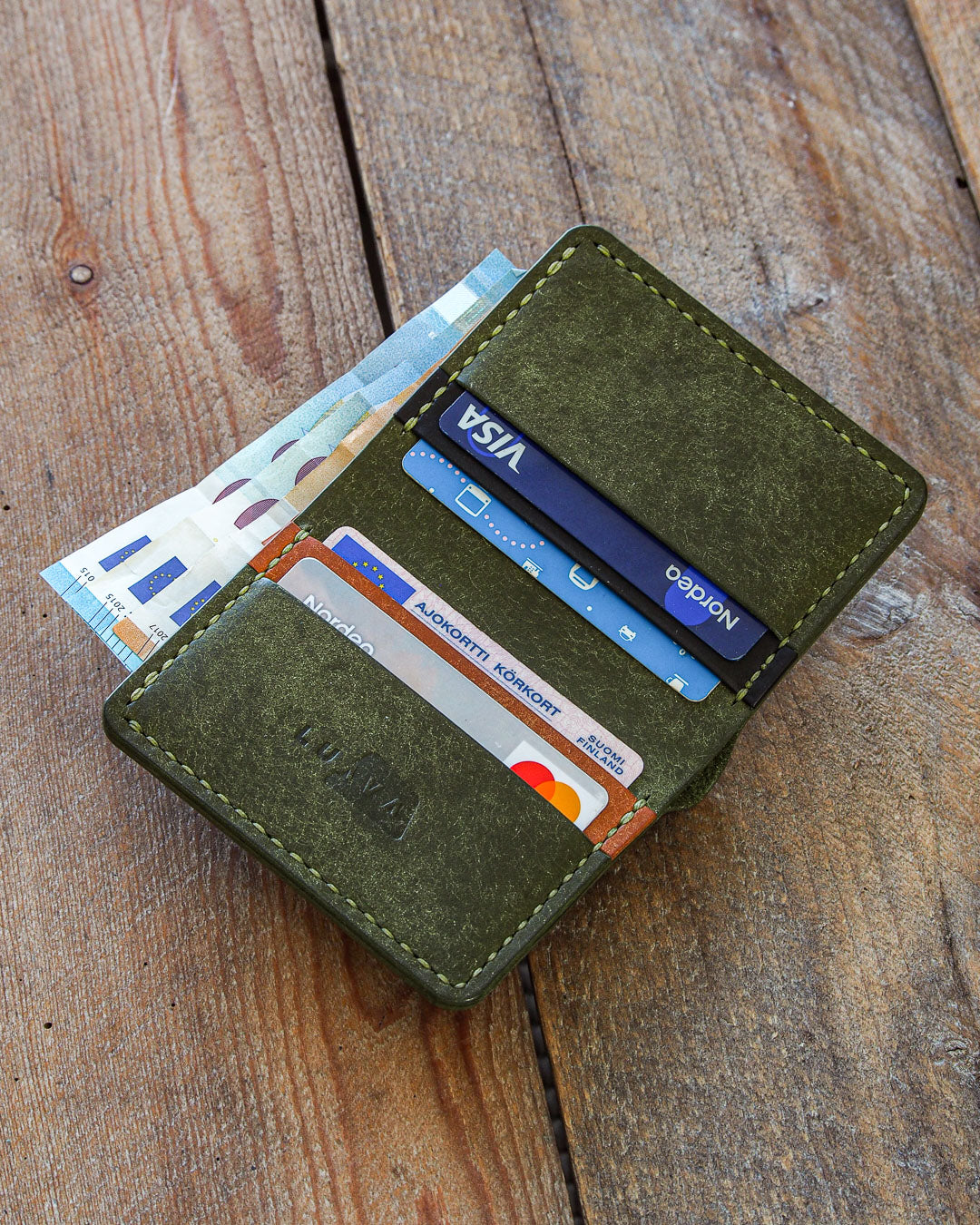 Luava handmade leather wallet NERO card holder cardholder handcrafted pueblo olive black cognac front open in use
