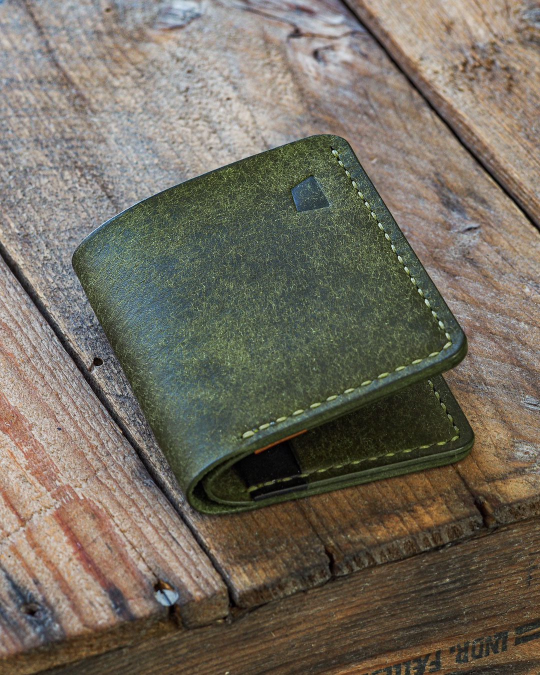 Luava handmade leather wallet NERO card holder cardholder handcrafted pueblo olive black cognac back closed angle