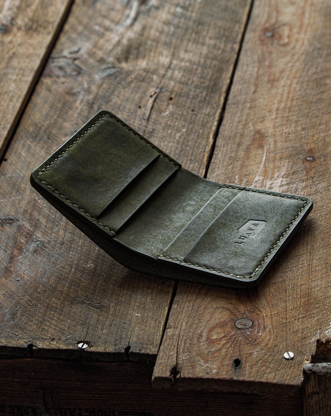 Luava handmade leather wallet NERO pine card holder cardholder handcrafted pueblo olive front open angle