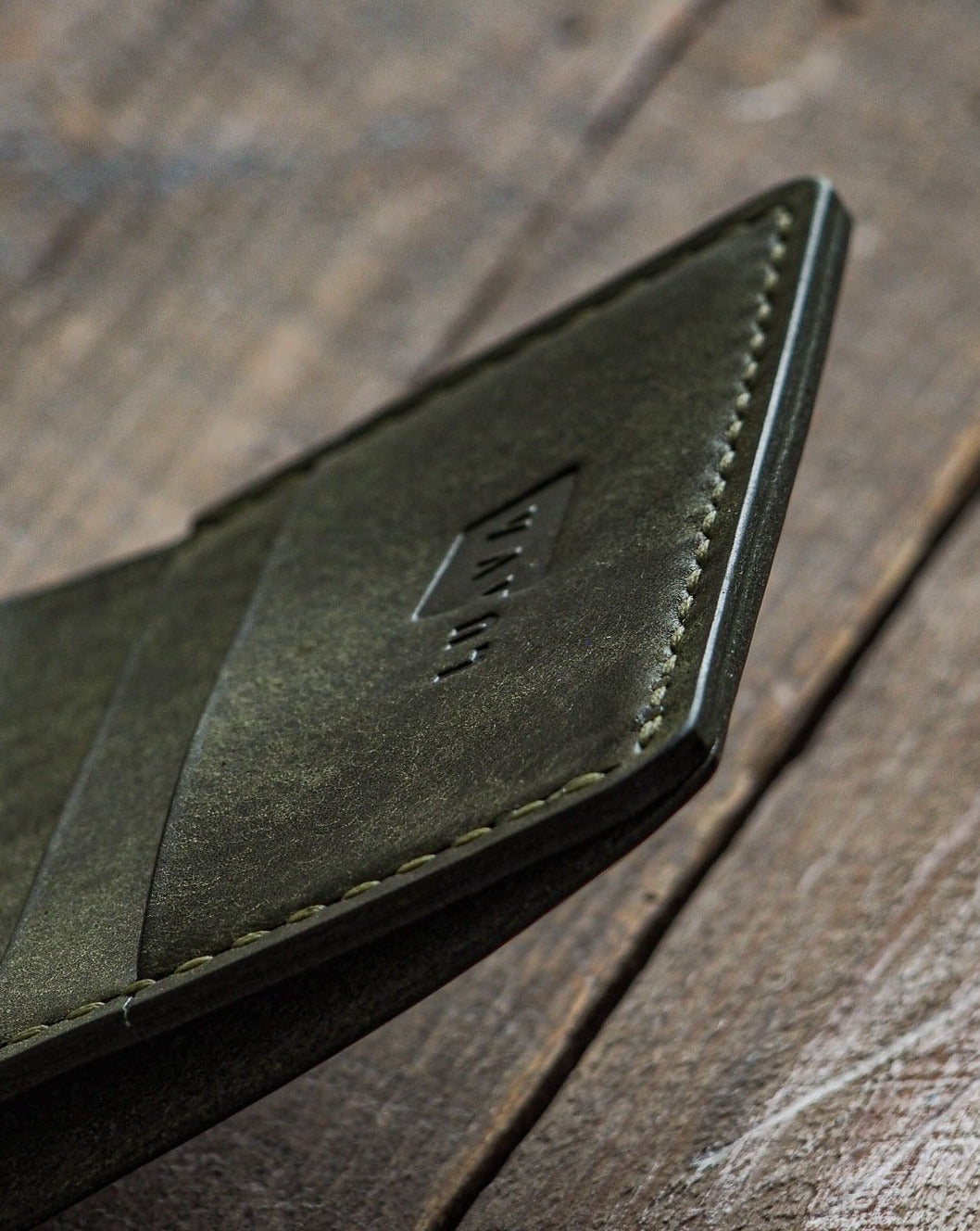 Luava handmade leather wallet NERO pine card holder cardholder handcrafted pueblo olive front open corner detail angle