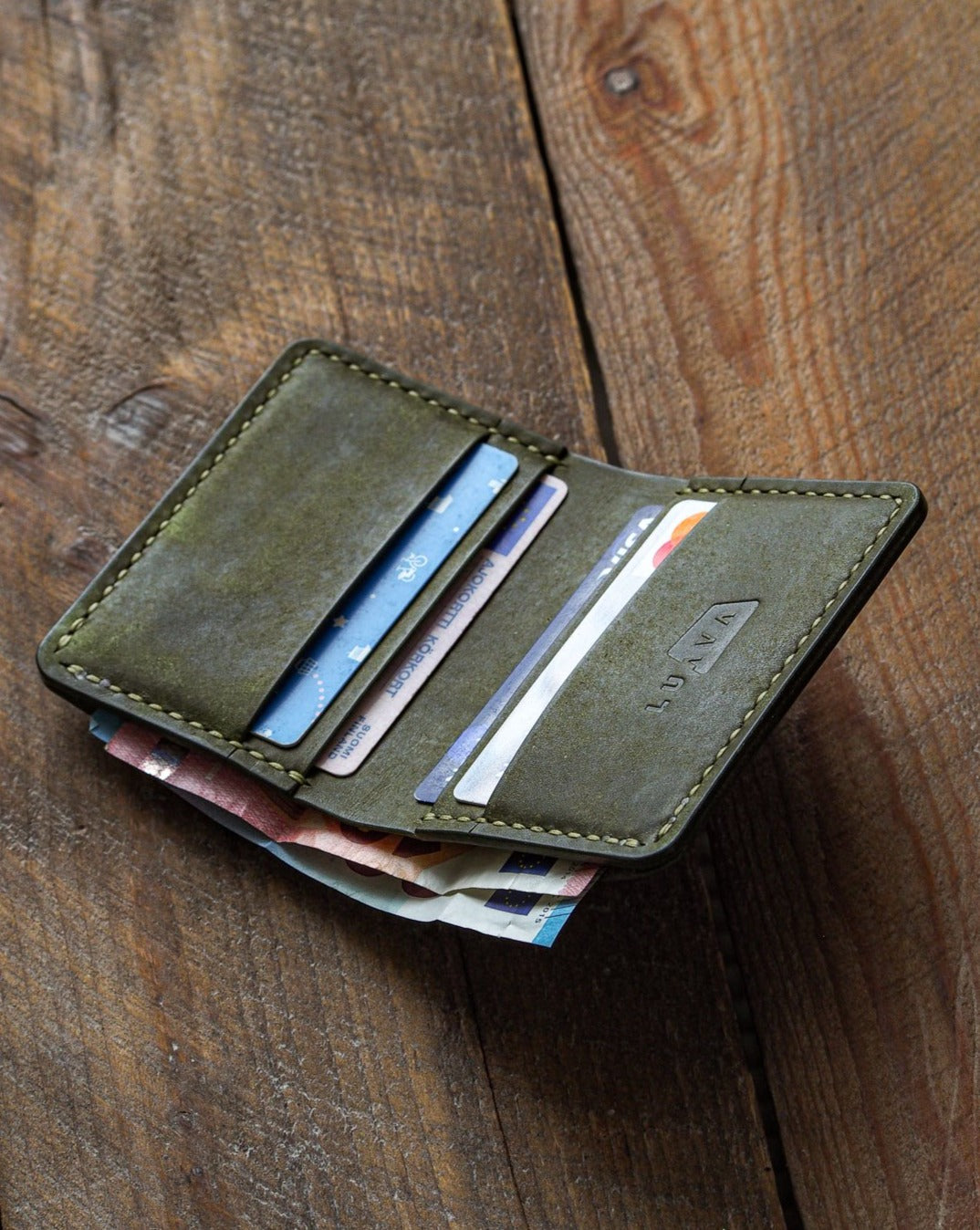 Luava handmade leather wallet NERO pine card holder cardholder handcrafted pueblo olive front open in use angle