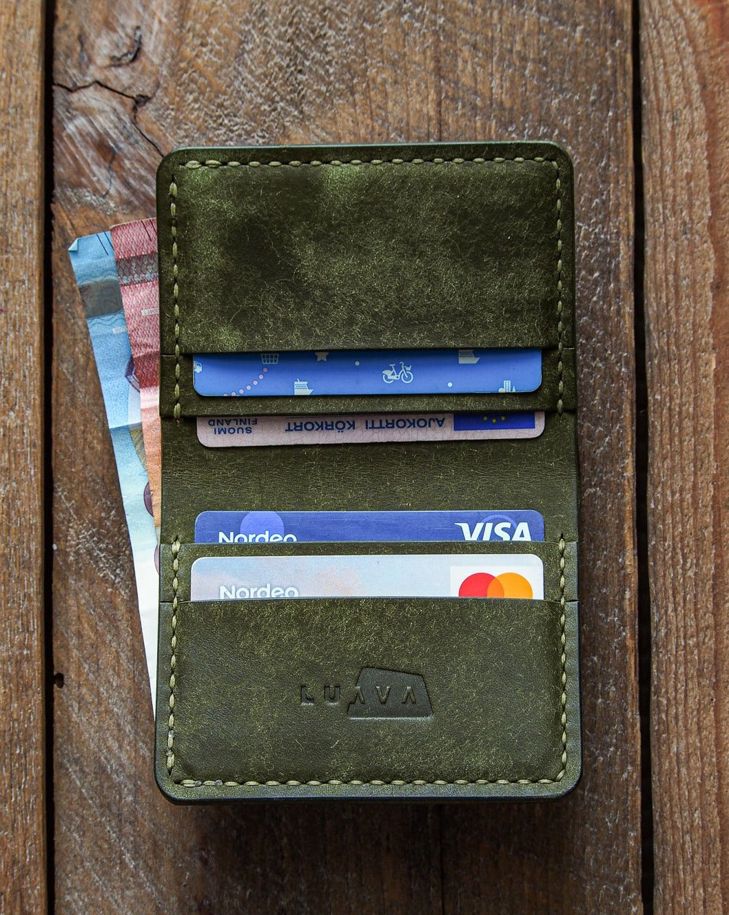 Luava handmade leather wallet NERO pine card holder cardholder handcrafted pueblo olive front open in use