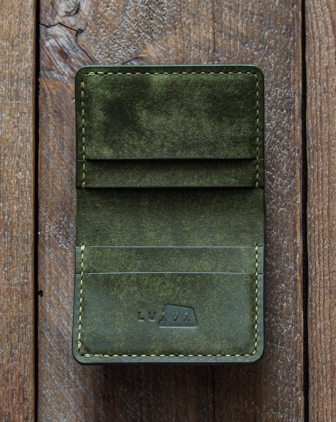 Luava handmade leather wallet NERO pine card holder cardholder handcrafted pueblo olive front open