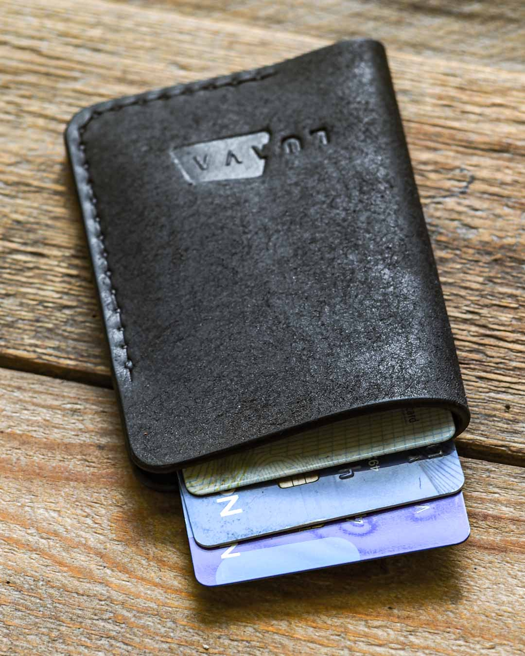 Luava leather card holder pueblo black wallet in use