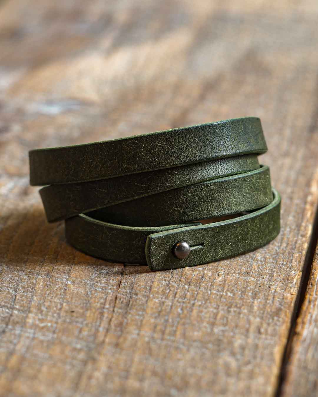 Luava leather quadruple wrist band badalassi carlo pueblo olive