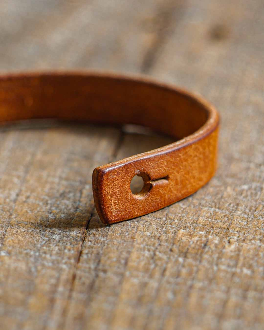 Luava handcrafted leather wrist band veg tan badalassi carlo pueblo cognac single stud hole