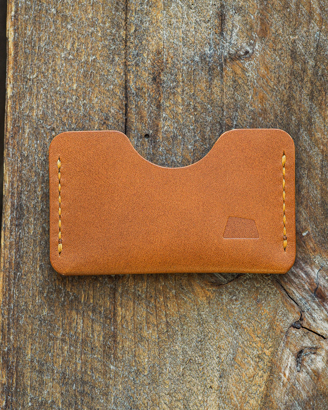 Luava handmade leather wallet handcrafted card holder cardholder made in finland absolute gold koala cognac thread front