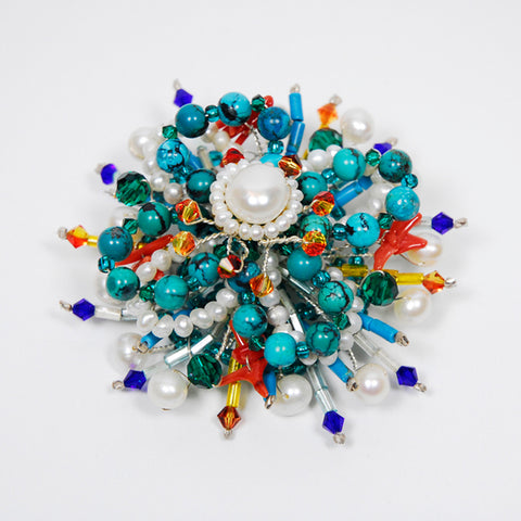 Pearl and mixed gems broach