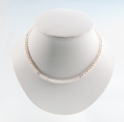 Row of pearls necklace