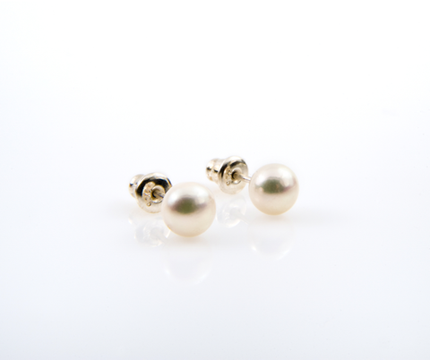 Pnina Levana (White Pearl) 7mm pearl on sterling silver stud earring