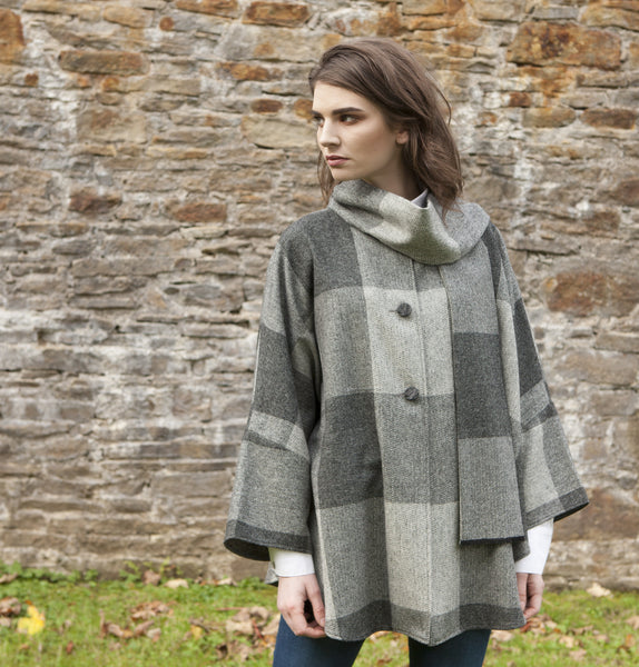 One Size Buttoned Cape - Grey Check Front
