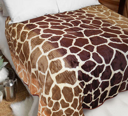 Giraffe Luxury Blanket