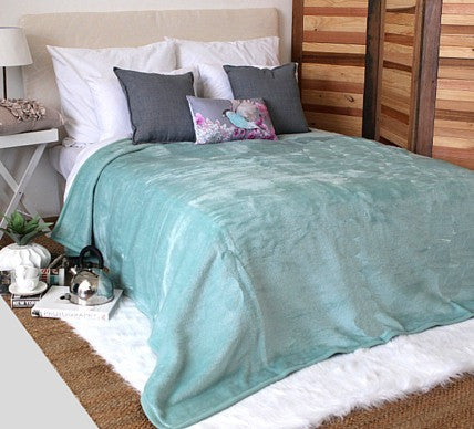Plain Luxury Blanket Eggshell  -  Blankets and Weaves - 3