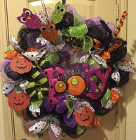 Spooky Owl and Pumpkins Wreath