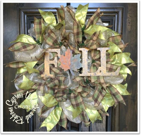 WR2120 - Fall Wreath with Fall Custom Sign