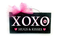 XOXO Hugs and Kisses Wreath and Sign