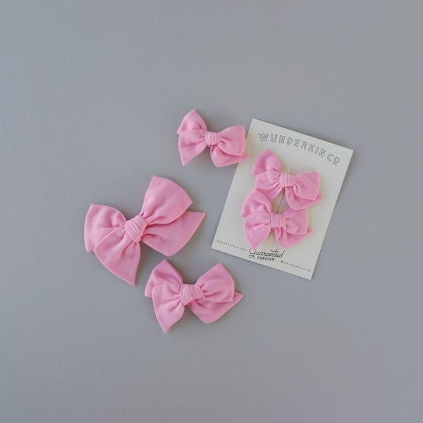 Wunderkin Mini Pinwheel Alligator Clip Bow in Milkweed | Sweet Threads