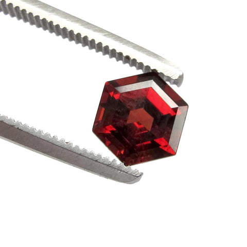 garnet red hexagon step-cut loose stone