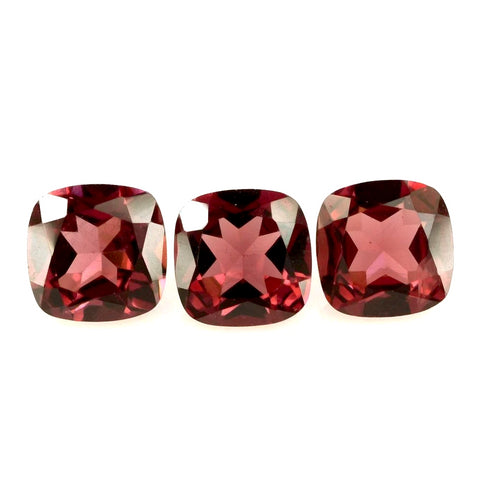 Garnet cushion - 4mm